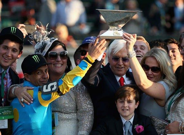 El trofeo de la Triple Corona. No se levantaba desde 1978
